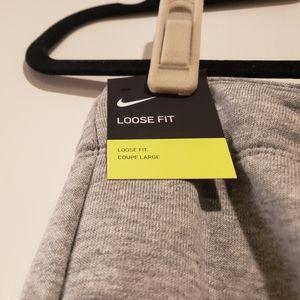 Nike Pants - NWT Nike Cropped Jogger